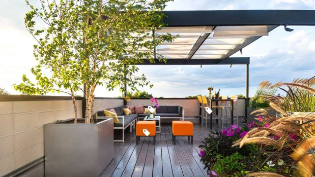 How to set up your backyard for easy summer entertaining